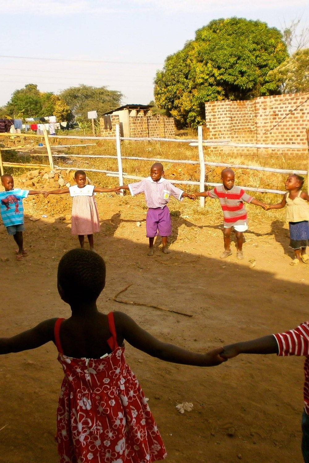 Children playing - Sponsor a child's education in Africa - Chances for Children